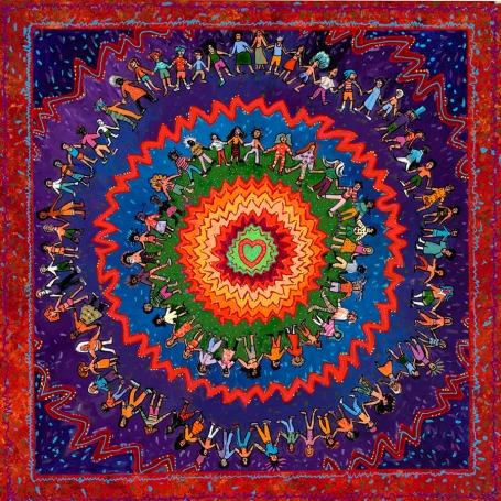 https://maessage.wordpress.com — mandala carré avec des cercles concentriques au centre desquels figure un cœur vert. 2 cercles sont formés par des enfants de toutes nationalités se tenant par la main. Couleurs dominantes : rouge, violet, bleu, vert, orange • peinture de Paul HEUSSENSTAMM, peintre américain, professeur et conférencier : « Green Heart Mandala » / « Mandala au Cœur Vert »